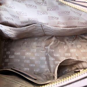Michael Kors Bags - ➳ Michael Kors LARGE Vanilla Ballet Satchel